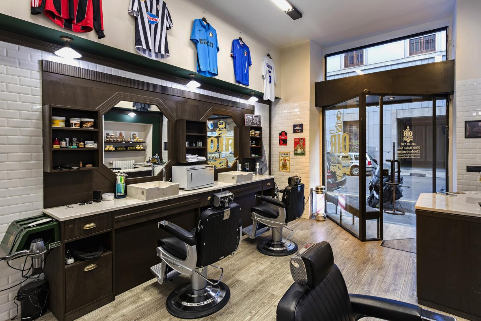 Oir barber shop, Milano