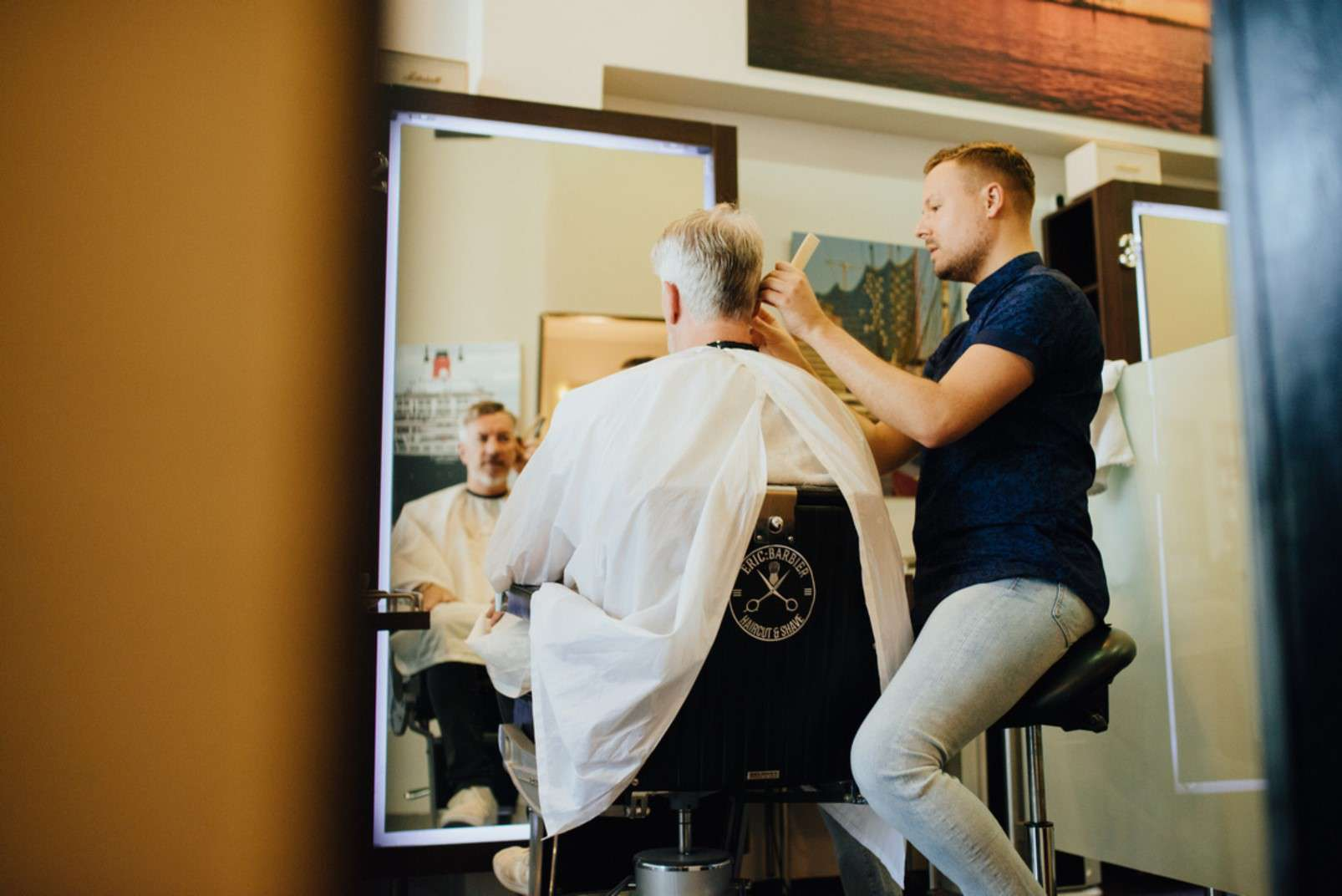Eric:Barbier Haircut and Shave Hamburg expert haircut