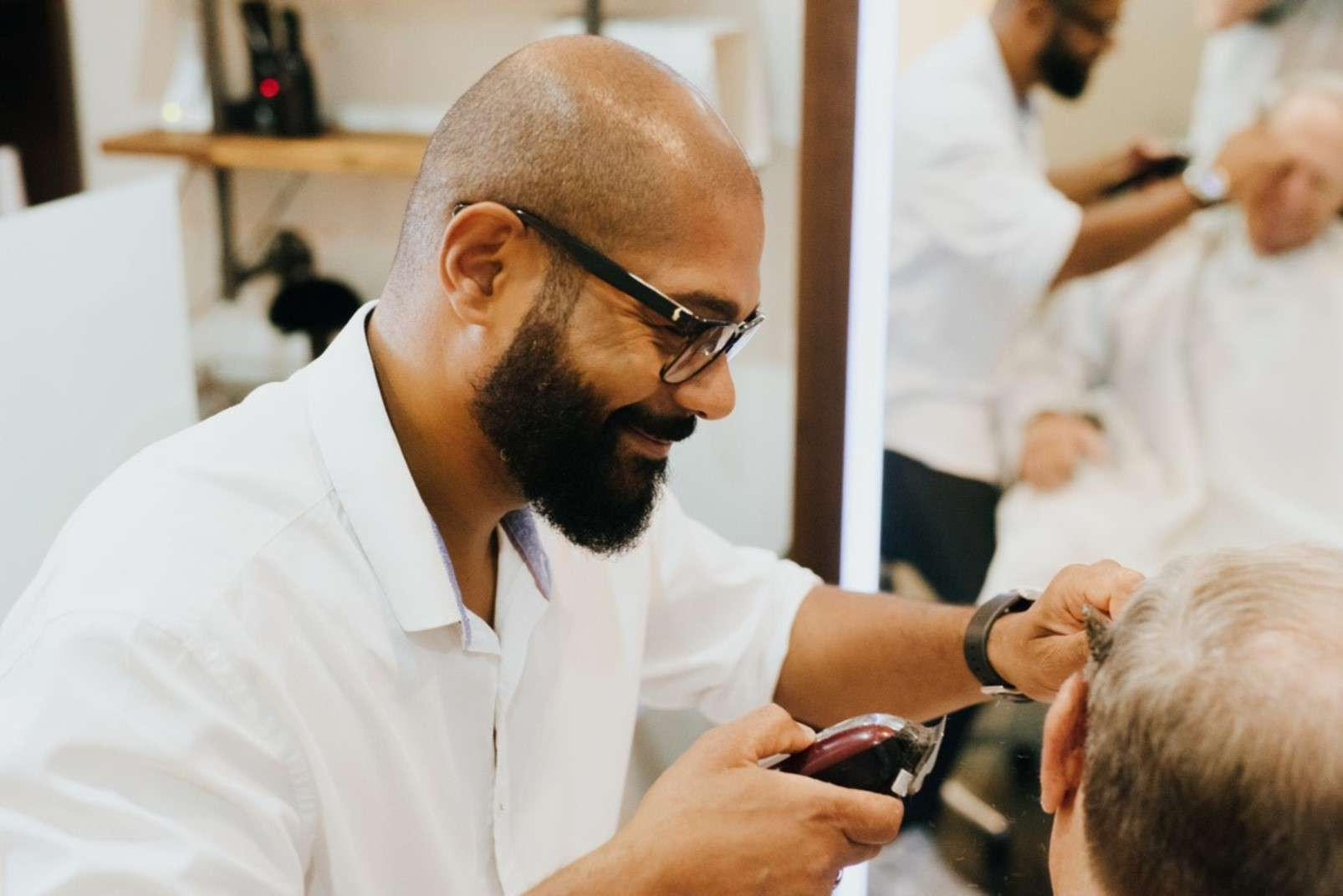 Eric:Barbier Haircut & Shave Hamburg barber