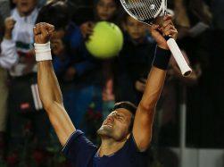 Novak Djokovic esulta per la sua vittoria nella edizione 2017 delle Internazionali BNL d'Italia 2017