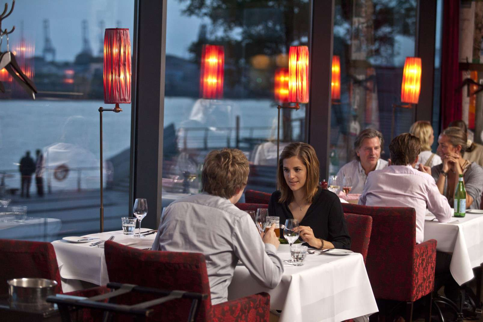 Carls Brasserie & Bistro Fensterfront 2