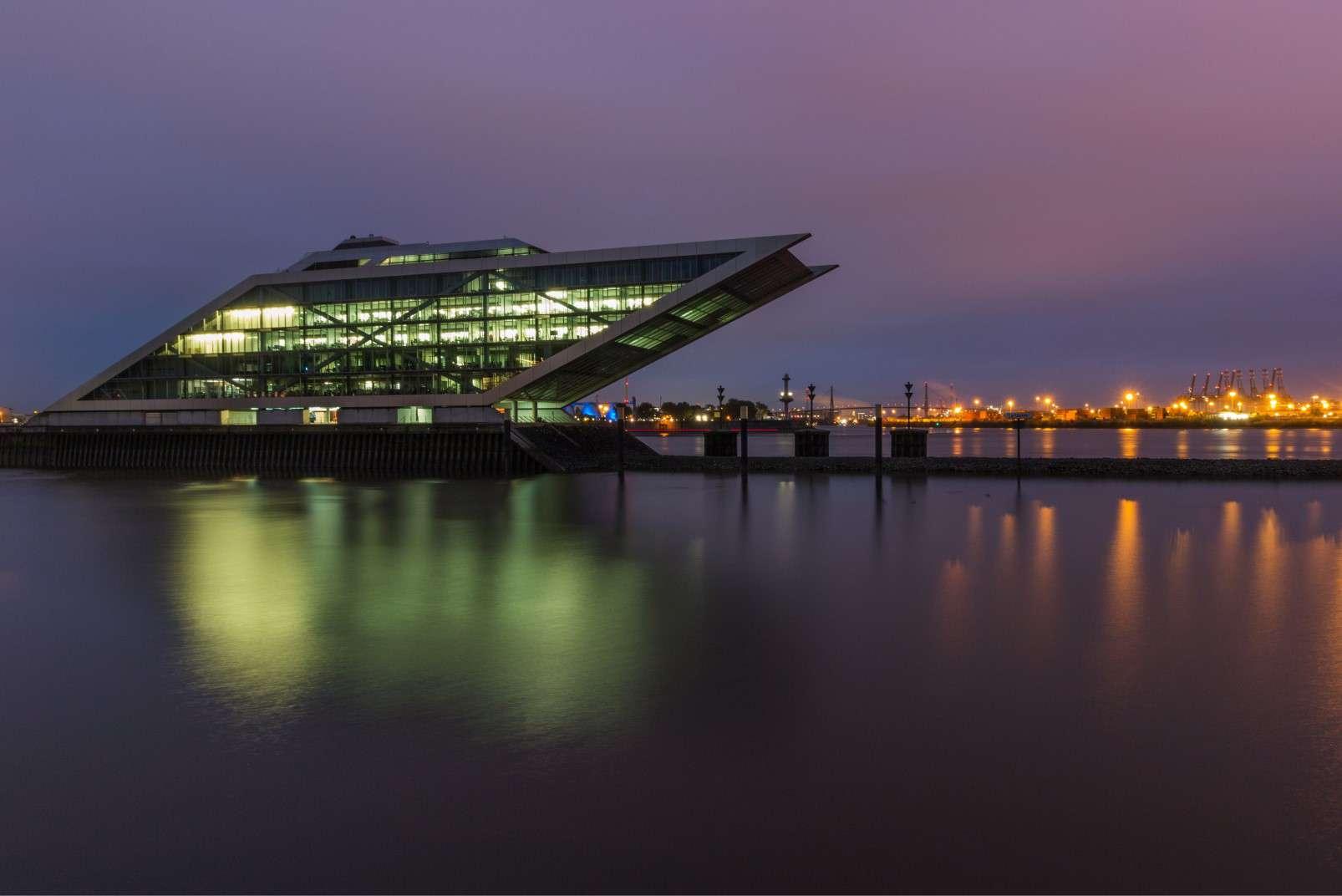 Elbe harbour tour Hamburg