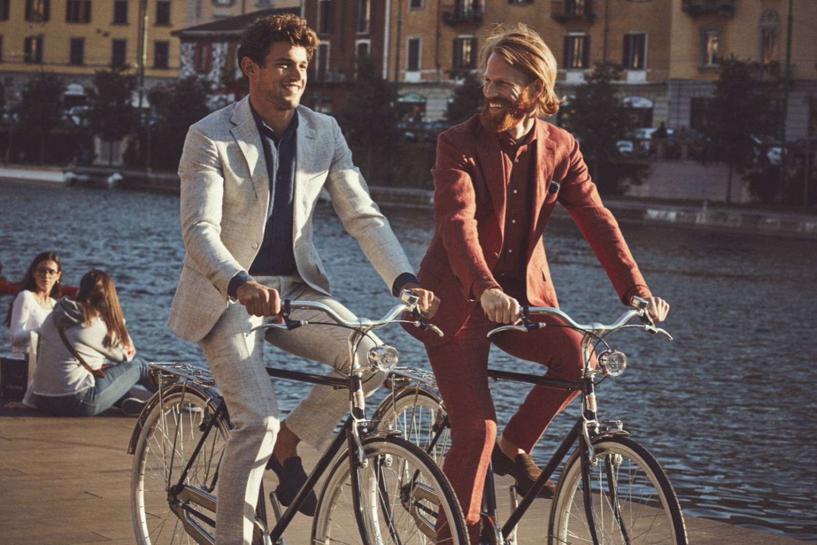 Linen suits with open-collar shirt