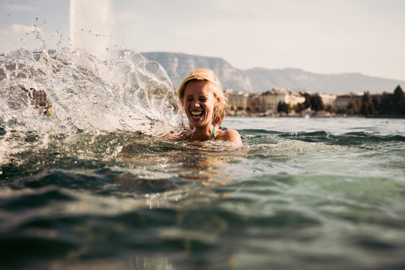 Swimming at Bains des Paquis - Geneva