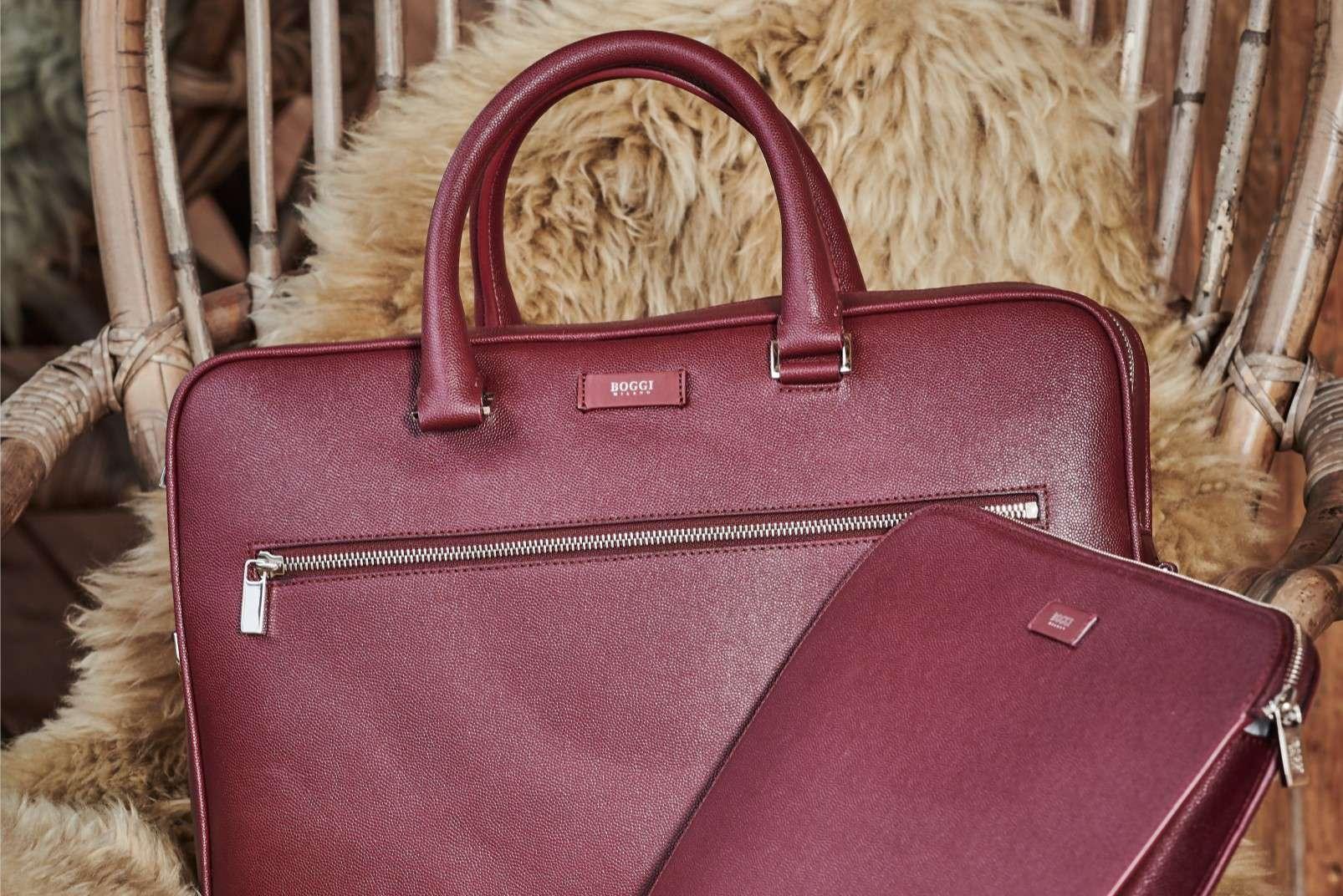 Bordeaux single zip case