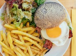 Inglewood Burgers_Dzodzet