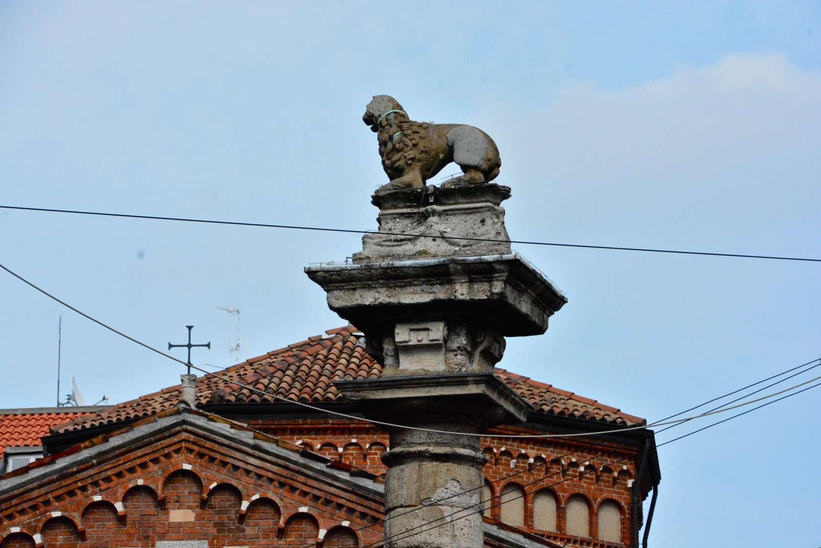 The Lion in Piazza San Babila, Milan