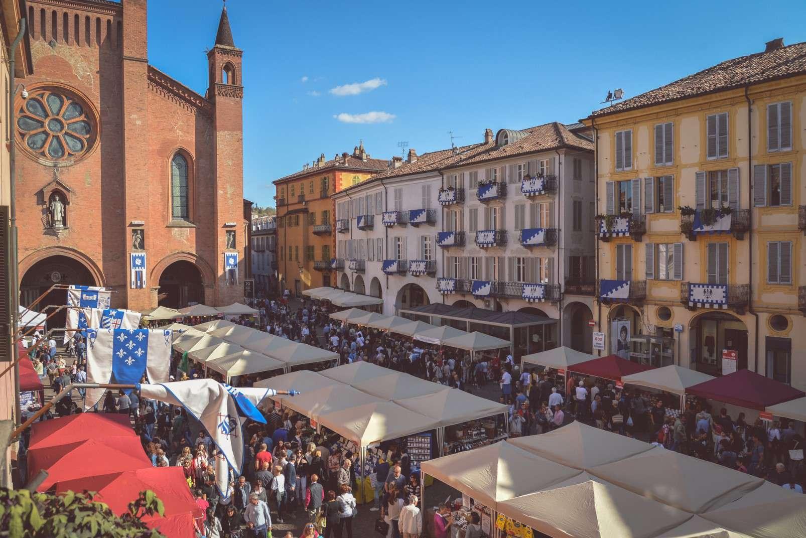 Fiera Internazionale del Tartufo Bianco d'Alba Piazza Savona