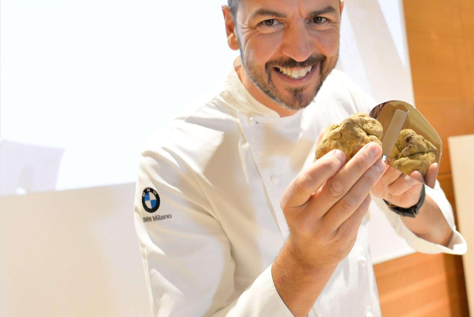 Fiera Internazionale del Tartufo Bianco d'Alba chef with truffle