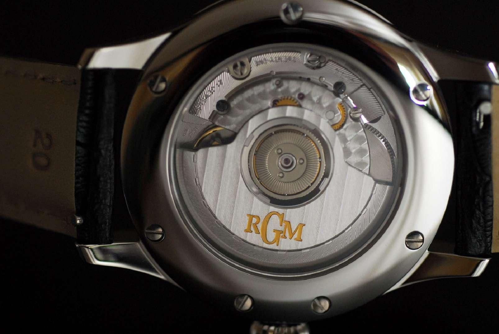 RGM Timezone Big Date caseback