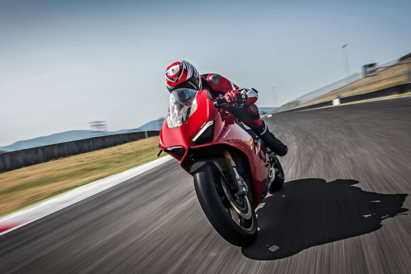 Ducati Panigale V4 on circuit 3