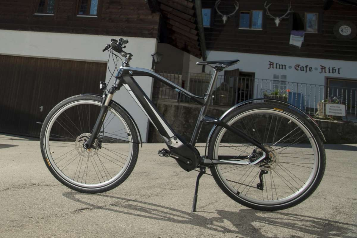 BMW Active Hybrid E-Bike, overall view