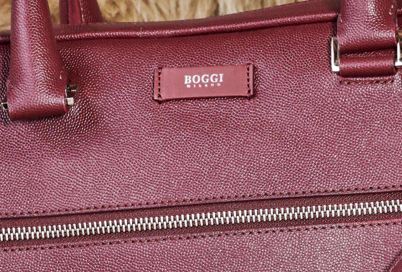 Boggi Milano Caviar leather single zip briefcase, A4 document holder, bordeaux