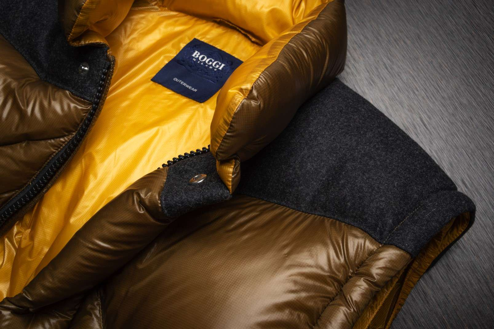 Boggi Milano ochre bomber jacket BO18A011704 collar