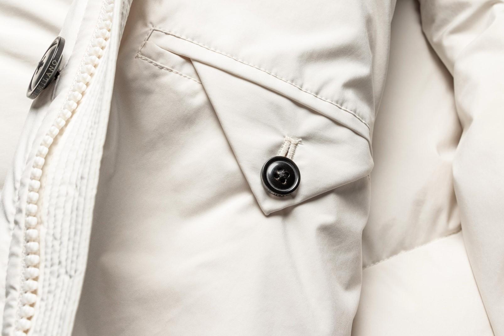 Parka bianco dettaglio tasca