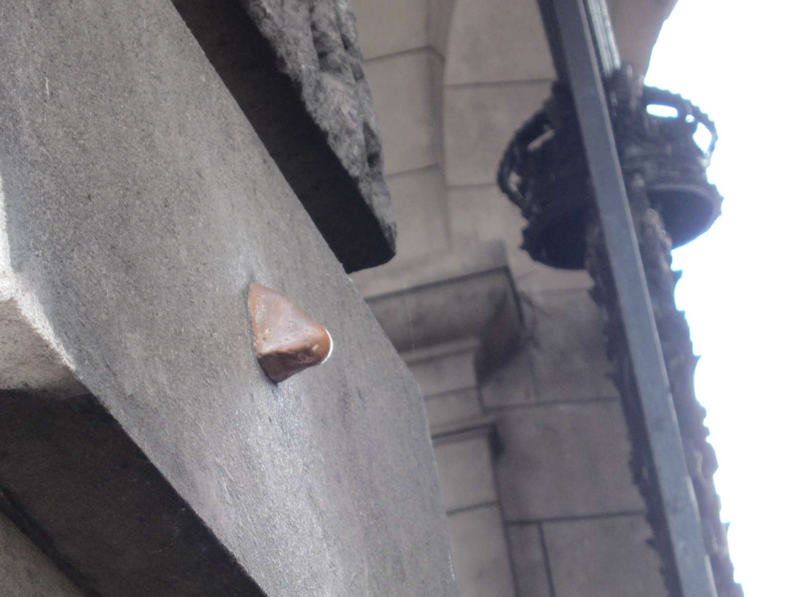 Nose at Admiralty Arch - London