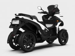 Quadro e-Qooder, è elettrico, ha 4 ruote ma piega come una moto