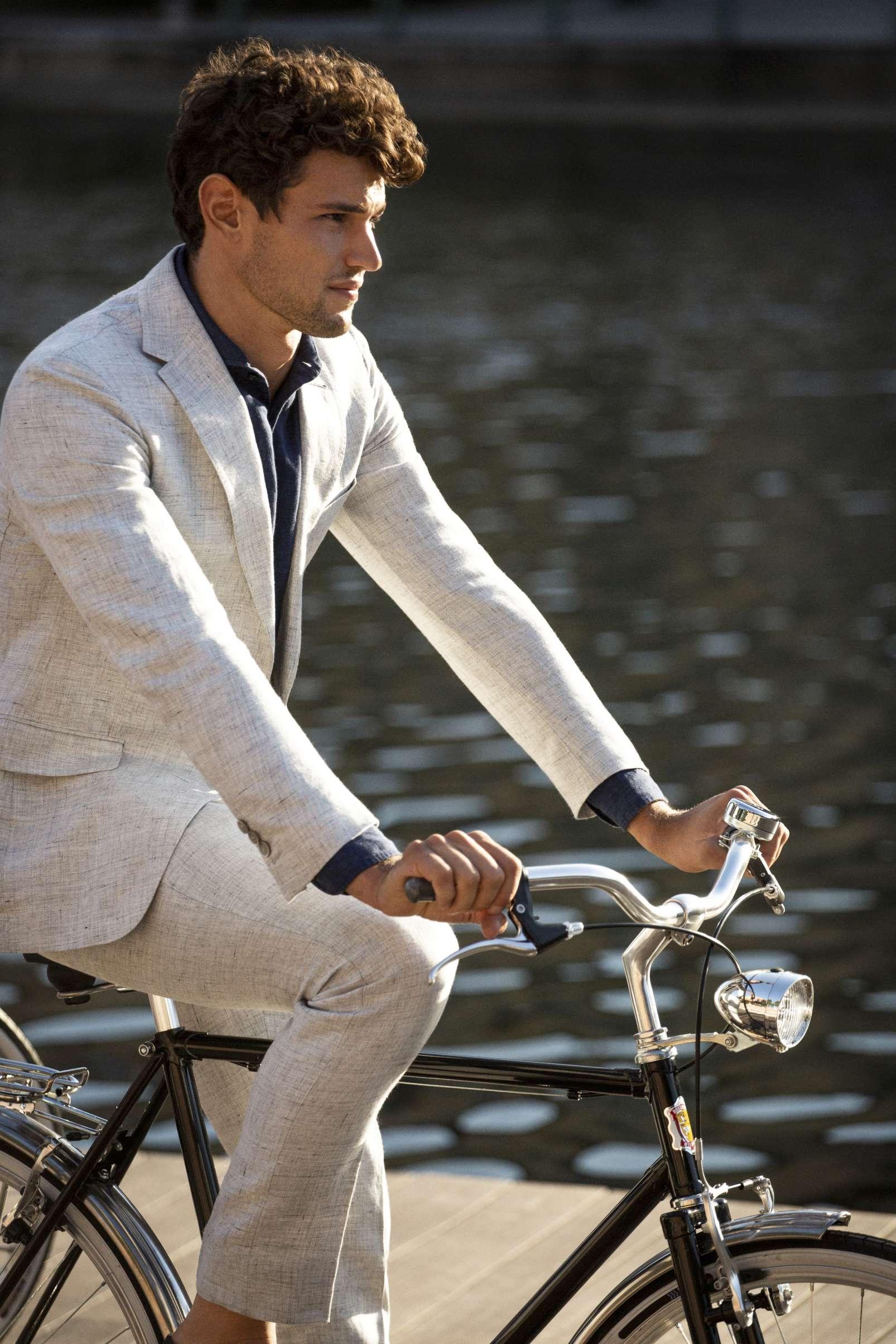 Linen suit by Boggi Milano BO19P052901