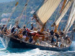 Vele d'estate: il fascino degli yacht classici