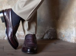 Boggi Milano grey suit brown shoes
